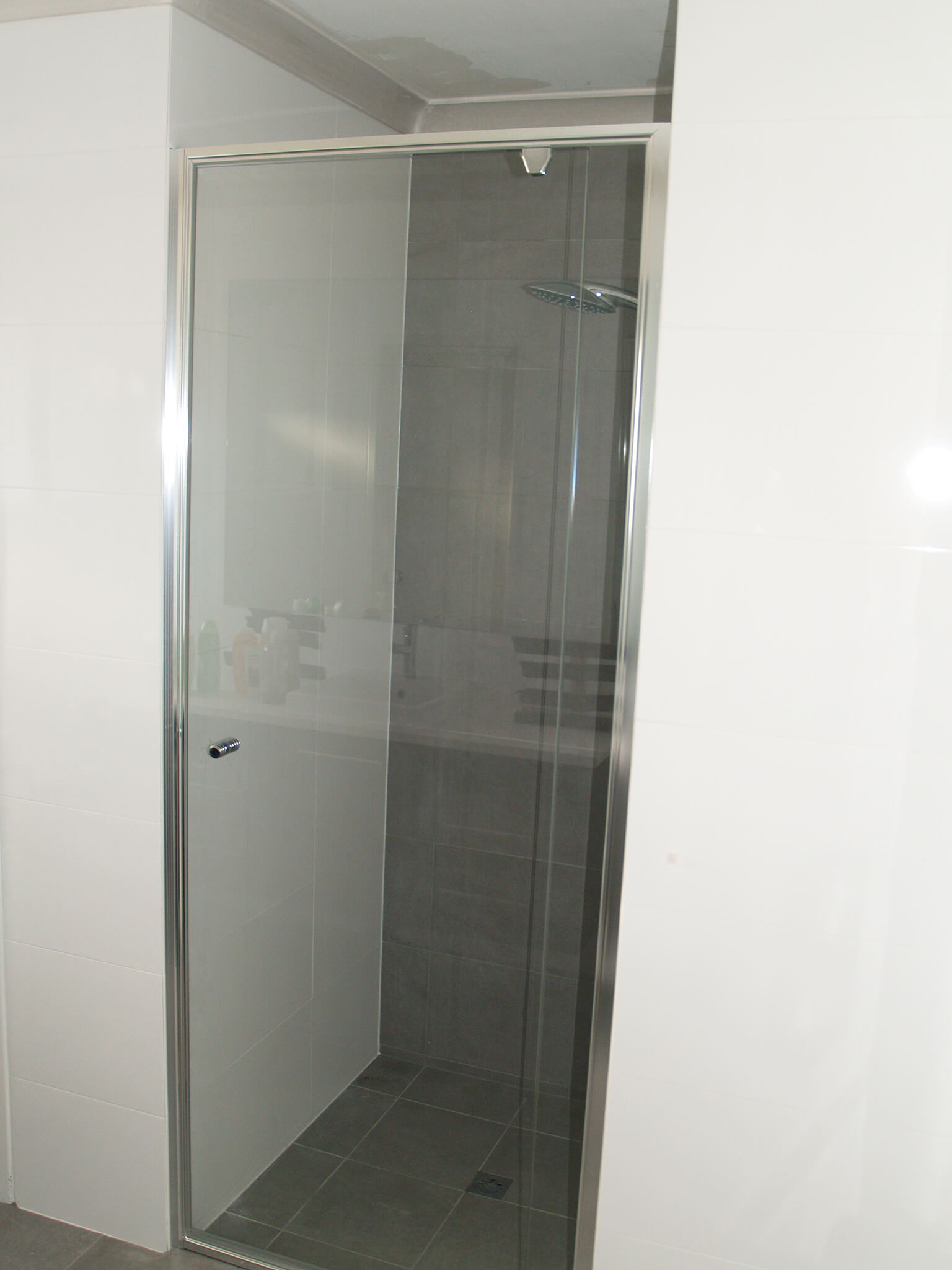 Hinged Shower Screen >> Shower Screens - Perth Western Australia | Glass100