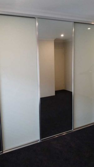 Framed-sliding-wardrobe-door-perth-painted-ultra-white-glass-and-mirror-130